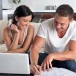 couple qui test la compatibilité des prénoms